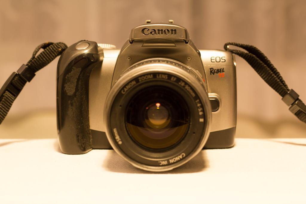 Canon EOS Rebel T2-300x